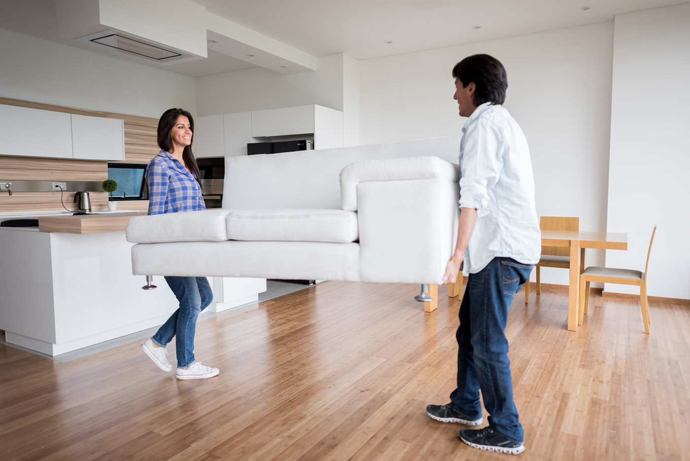 couple_staging_home_and_cost